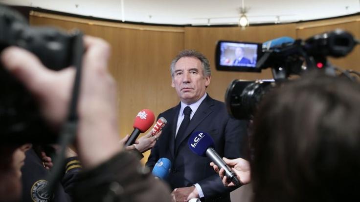 Cahuzac : Bayrou demande un référendum sur la moralisation de la vie publique