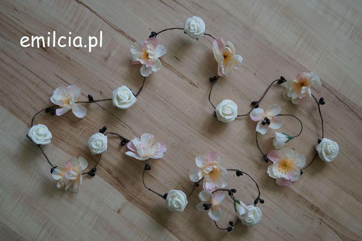 Girlanda kwiatowa ozdoby ozdoba do włosów 110 cm kwiaty koloru ecri w różnym odcieniu . Długość dowolna na zamówienie :) Wedding