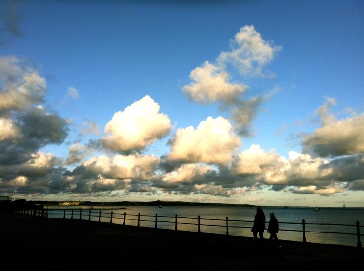 A moody Promenade shot, but captures an evening walk very well.