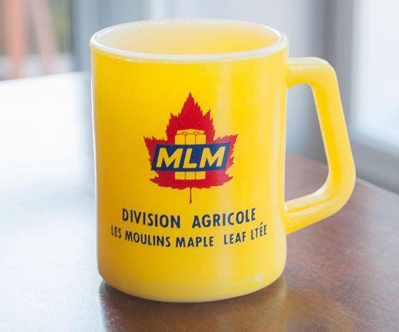 Tasse jaune federal glass avec logo les moulins maple leaf