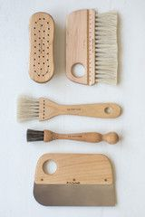 Born out of an artisan collective that formed in the late 19th century, the Iris Hantverk company continues to produce tools that bring together lovely form and utilitarian function from a small workshop in Sweden. Each brush they craft is hand made by visually impaired craftsmen, hand knotted, using natural materials, exclusive designs, and practices drawn from Swedish tradition.