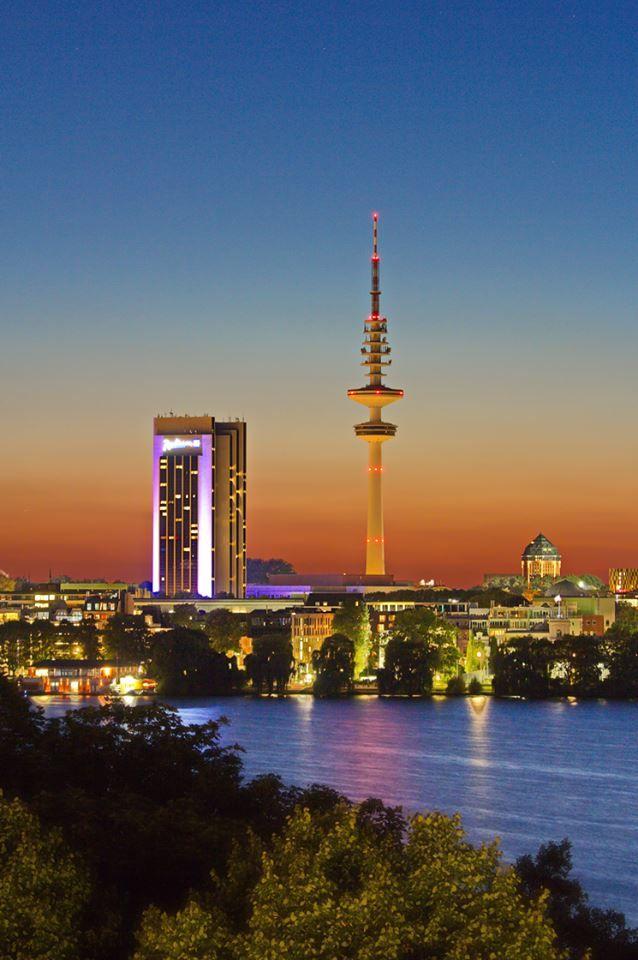 Hamburg Hotel Radisson und Fernsehturm