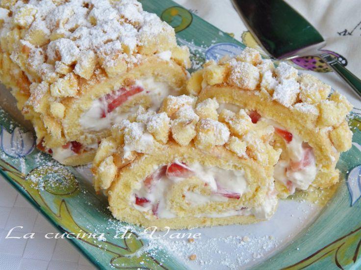 ROTOLO MIMOSA ricetta dolce per la festa della torta, la torta mimosa proposta in un rotolo golosissimo, con crema chantilly e fragole. Ricetta dolce golosa