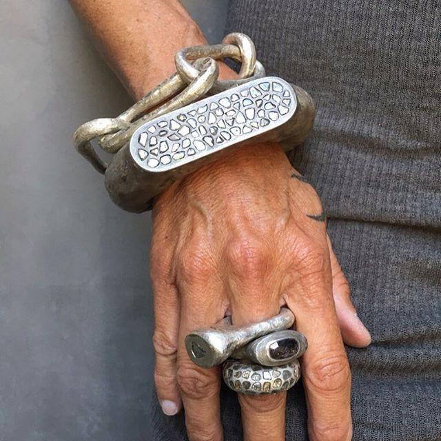 Mega pave rough cut diamonds! #romanbracelet #megapave #romanring #reddiamond #partsof4 #elubycn #ELUP4 #infinitybraceletelu_official