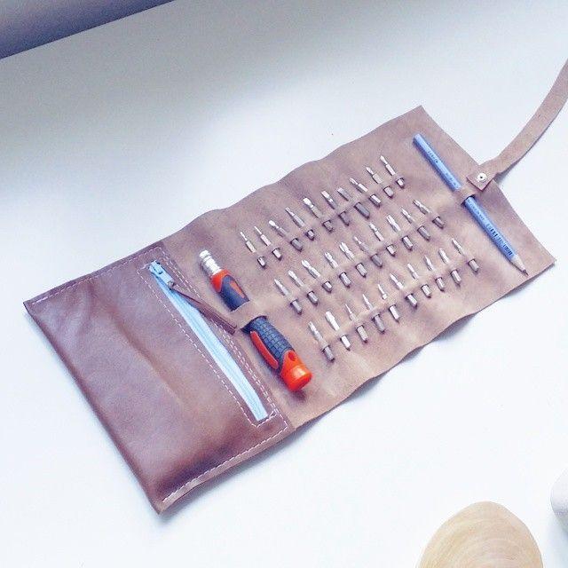 Screwdriver leather roll case. Zipper tool organizer.