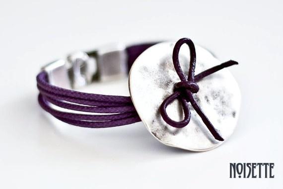 Purple ribbon bracelet by noisettee on Etsy, 25€