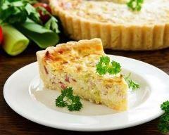 Quiche aux poireaux et jambon (facile, rapide) - Une recette CuisineAZ