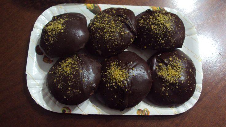 """biscotti cioccolattosi buonissimi per la """"festa dei morti"""" http://blog.giallozafferano.it/profumodidolce/rame-di-napolibiscotti-cioccolattosi-catanesi-per-la-festa-dei-morti/"""
