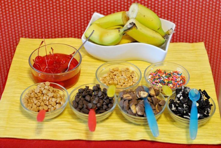 Banana Party Decorations | banana split bar! | Birthday/ Party Ideas