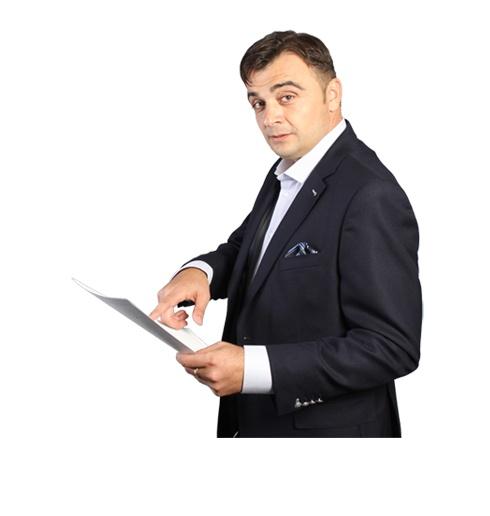 """Alegerile, cu final anunţat, care l-au dat câştigător pe omul de afaceri Laurenţiu Ţigăeru Roşca, s-au desfăşurat în spatele uşilor închise, la Casa de Cultură a Sindicatelor """"Leopoldina Bălănuţă"""", din Focşani.    Liderii PNL au decis să încuie uşa pe dinăuntru şi să poftească presa afară, chiar dacă jurnaliştii primisera o invitaţie oficială la eveniment. Pentru şefia organizatiei focşănene s-au înscris doi candidati, Laurenţiu Ţigăeru Roşca şi Tudorache Dumitrache."""