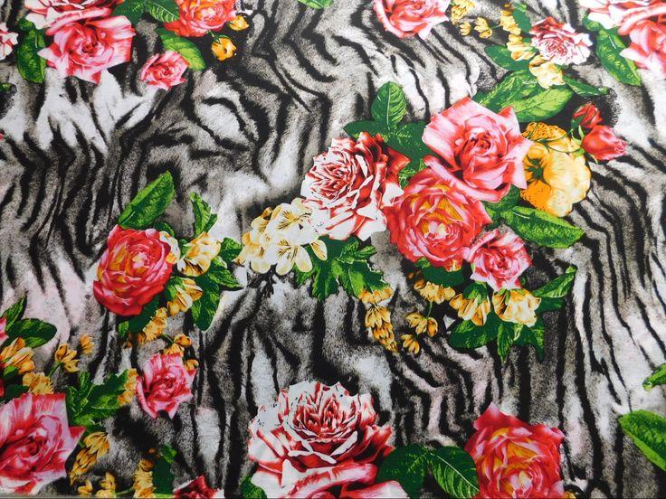 Já deu uma olhadinha na Viscose Estampada Zebra Floral é agradável, caimento fluido tem ótima transferência de calor o que proporciona maior conforto especialmente em dias quentes.  Confira Viscose Estampada Zebra Floral e outras estampas de Viscose em nossa loja virtual www.LuemaTecidos.com.br  #tecidos #viscose #vempraluema #luematecidos