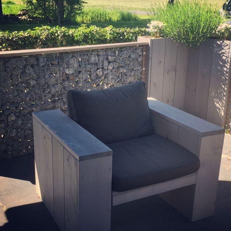 DIY loungestoel (zie ook bijpassende plantenbak)