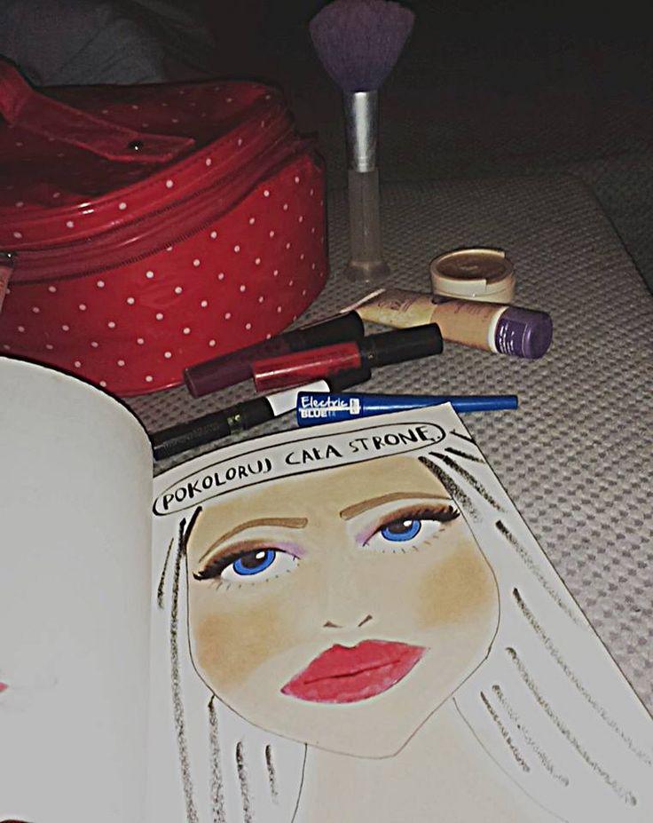 Podesłała Monjka Błażejewjcz #zniszcztendziennikwszedzie #zniszcztendziennik #kerismith #wreckthisjournal #book #ksiazka #KreatywnaDestrukcja #DIY