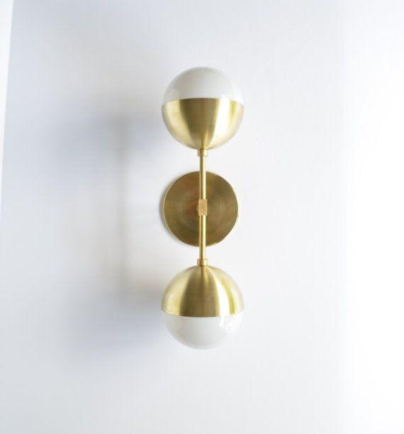 Fiona  DESCRIPTION:  Ce bougeoir ampoule de duel est parfait pour accrocher horizontalement ou verticalement nimporte où dans votre maison.