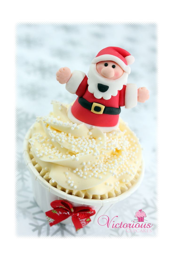 How to make a father christmas cake decoration -  Free Tutorial Alert Father Christmas Cupcake Toppers With An Easy Step By