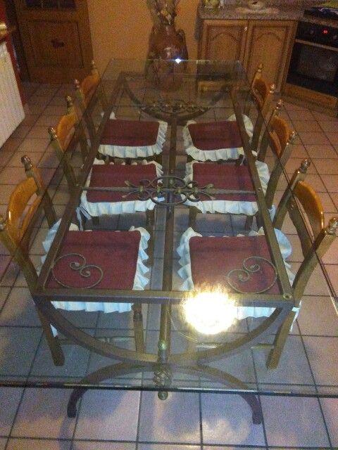 Tavolo in ferro battuto e base in vetro