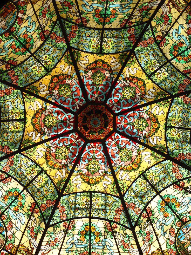Cúpula de vidrieras en el Teatro Colón de #BuenosAires #Argentina