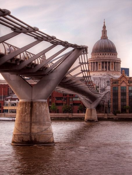 Millennium Bridge and St Paul's Cathedral. London.