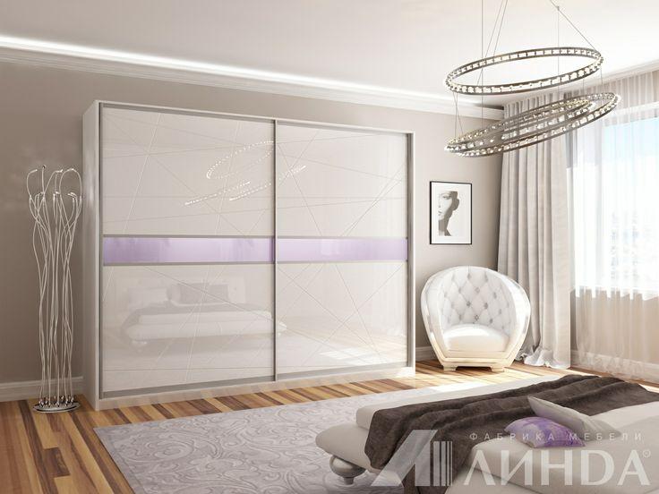Белый корпусный шкаф-купе в спальню / Stylish and serene white glossy wardrobe for the bedroom