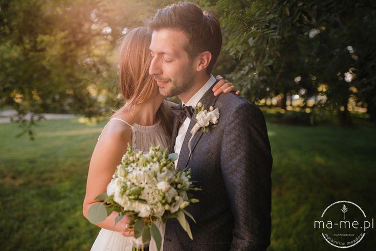 Przedstawiamy międzynarodowy ślub Magdy i Nathana, który odbył się w Dworze na Wolicy - fotografia: Malachite Meadow