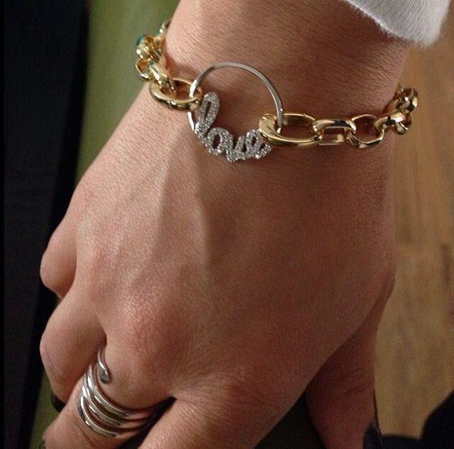 #love so in love!!!! Bracelet and window plate Origami Owl www.tracyfazz.origamiowl.com