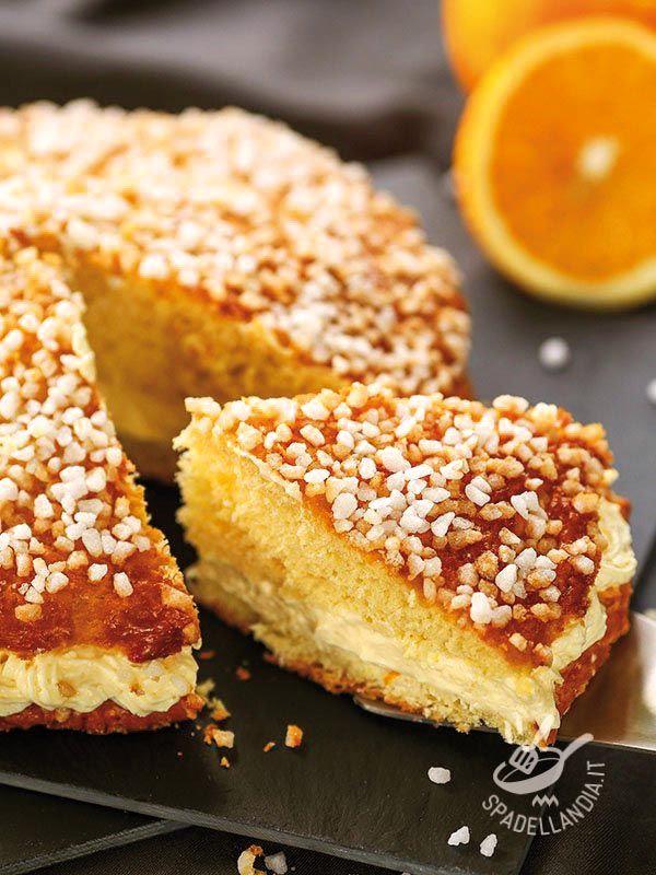 Stuffed cake with orange cream gluten-free - Con la Torta farcita con crema all'arancia senza glutine portate in tavola tutto l'aroma degli agrumi. Una delizia da forno profumata e intramontabile!