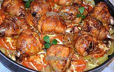 Рецепт куриных голеней с картошкой в духовке от Наташи Чагай Куриные голени с картошкой - простое, но очень вкусное блюдо, которое может стать любимым обедом или ужином для вашей семьи. Благодаря первичной обработке картофеля, он приготовится быстрее, а маринованные ножки станут нежнейшими даже без использования фольги. Попробуйте приготовить это блюдо и ваша семья (или гости) останутся очень довольны. Пошаговый рецепт с фото есть на нашем сайте http://rutxt.shorturl.com/node/4999