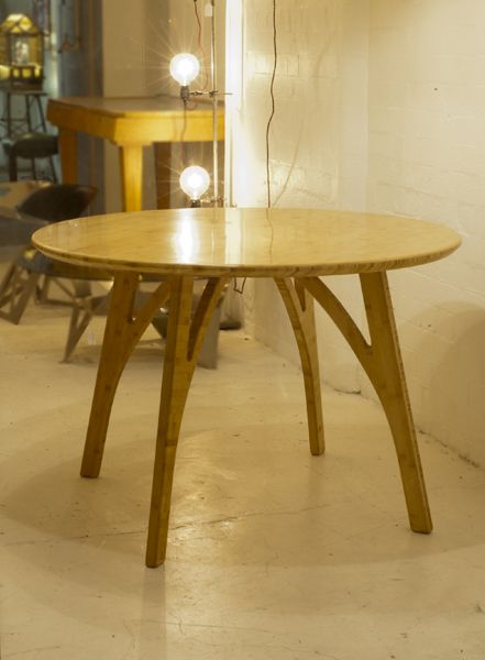 bcompact design - Range D' Profile Round table
