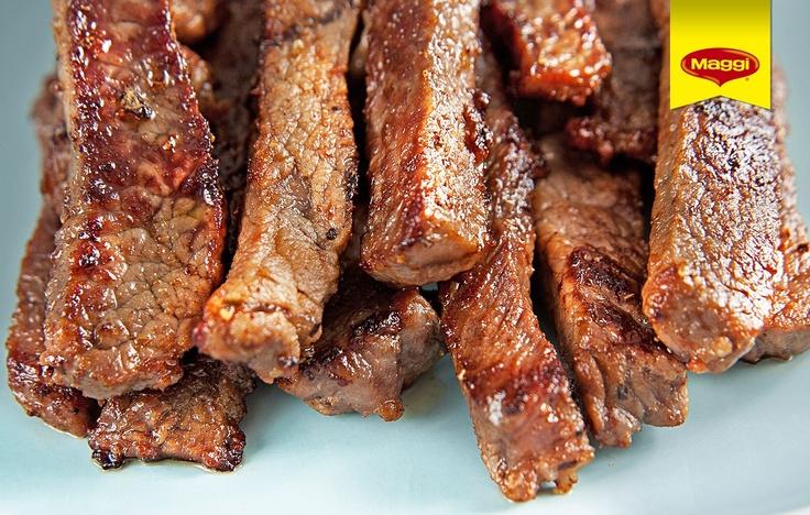 Roast beef // Iata friptura de vita care se serveste ca si cum ar fi o portie de cartofi prajiti! -> https://www.facebook.com/photo.php?fbid=400170560056373=pb.287189181354512.-2207520000.1363177889=3