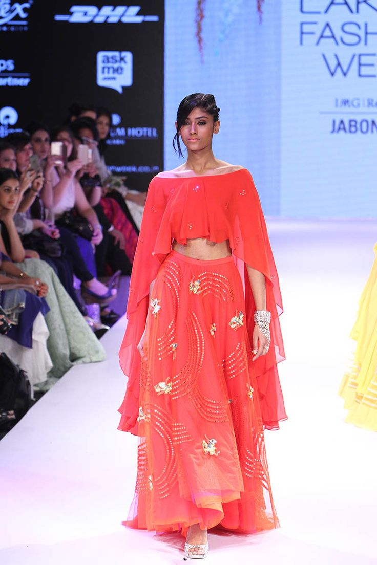 Neeta Lulla. LFW W/F 15'. Indian Couture.