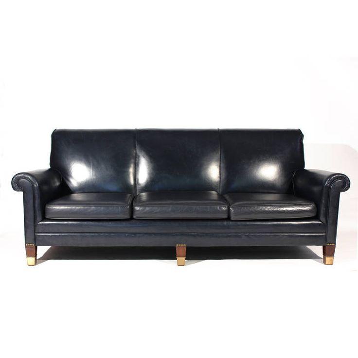 best 25 navy blue leather sofa ideas on pinterest navy leather sofa leather couch living. Black Bedroom Furniture Sets. Home Design Ideas