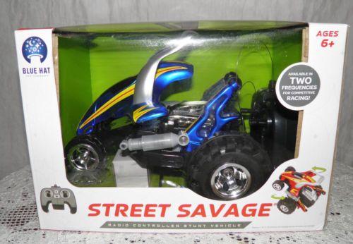 Street Savage Radio Remote-Controlled Stunt Vehicle Blue Hat Series BLUE CAR