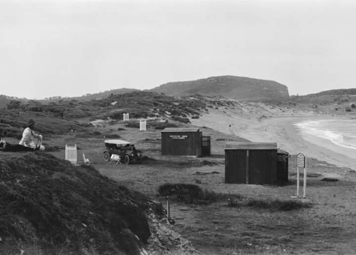 Dressing sheds at Avalon Beach,in the Northern Beaches region of Sydney in 1925. National Library of Australia.