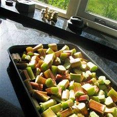 Delia's oven baked Rhubarb Compôte - non mushy!