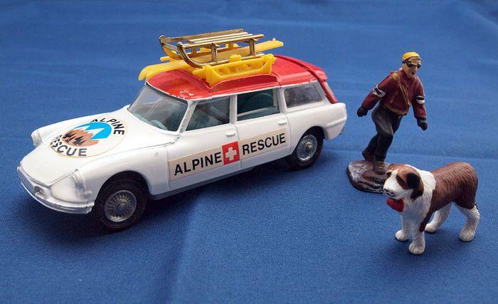 Toys Corgi - Schaal 1/43 - Citroën DS Safari Alpine Rescue No.513