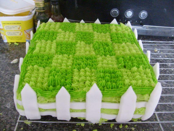 plants vs.zombie cakes -Carter cake ideas