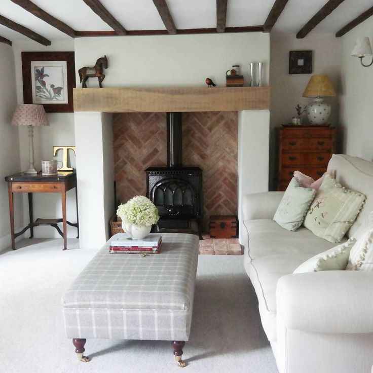 Littlebird cottage sitting room  Why not head on over to join our FREE interior design resource library at www.FlorenceAndFreya.com?