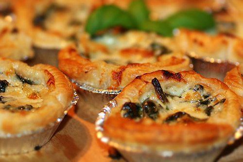 Minipajer med spenat, pinjenötter & parmesan | Kryddburken