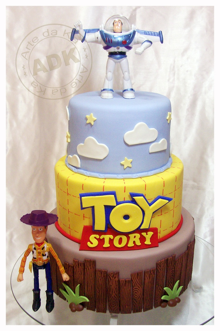 Toy Story cake... My DJ would love this. He had a Toy Story cake last year for his bday but we might have to do this one this year.