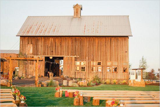 Oregon barn wedding