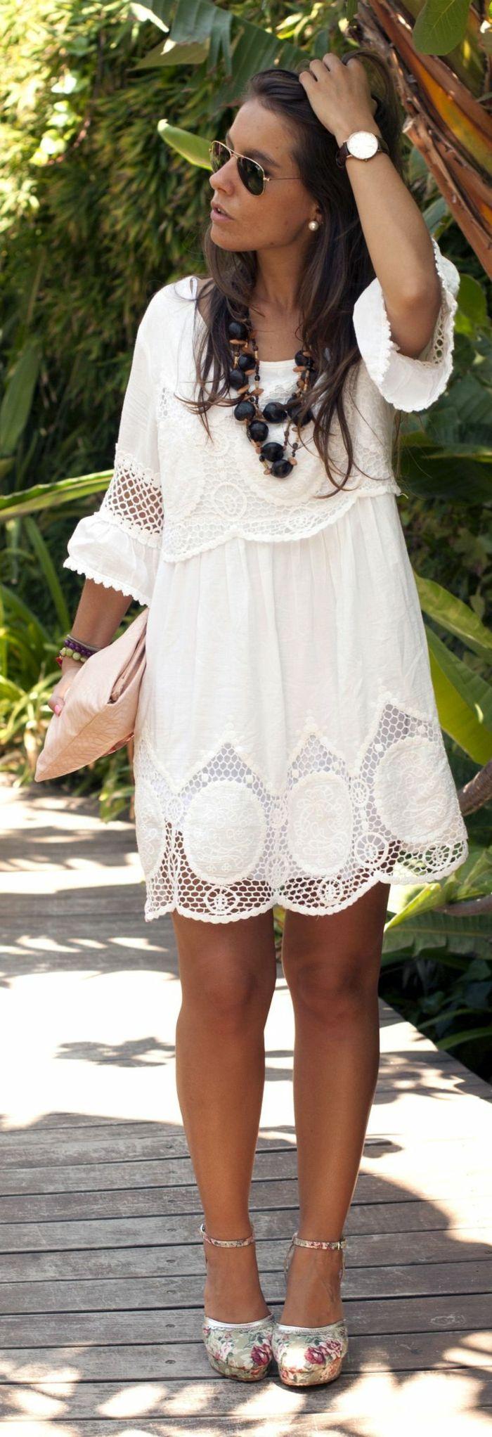 Une robe dentelle blanche belle idée tenue été automne; robe avec manches