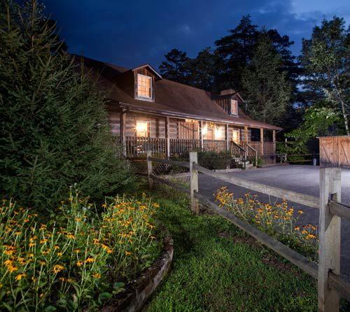 """Black-Eyed Susan TR#19"" Authentic Log Cabin In Timberidge"