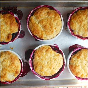 Mini mixed berry fruit cobblers | Desserts for Everyone! | Pinterest