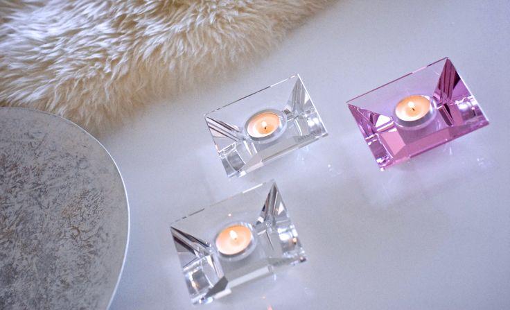 Mivalli Designin Aqua-tuikut #mivalli #aqua #kristalli #suomalainenmuotoilu #sisustus #homedecor #elegance #wineglass #candleholder #finnishdesign #nordicdesign