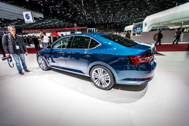 The razor-sharp, high tornado line visually stretches the car and works in combination with additional lighter surfaces to achieve effective contrasts between light and shade #newskodasuperb #skoda #superb #genevamotorshow #geneva2015