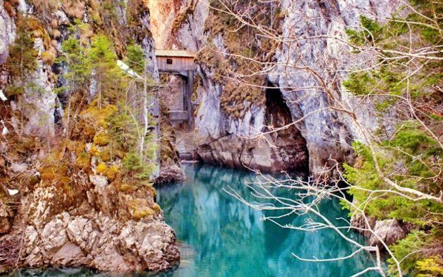 Traseul de vis din Munţii Bucegi: Cheile Zănoagei - Lacul Scropoasa - Cheile…