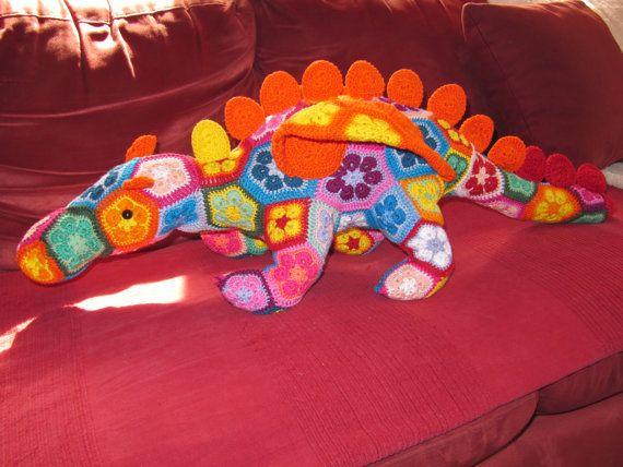 Hoi! Ik heb een geweldige listing gevonden op Etsy https://www.etsy.com/nl/listing/227669808/gehaakte-draak-van-heidi-bears-crochet