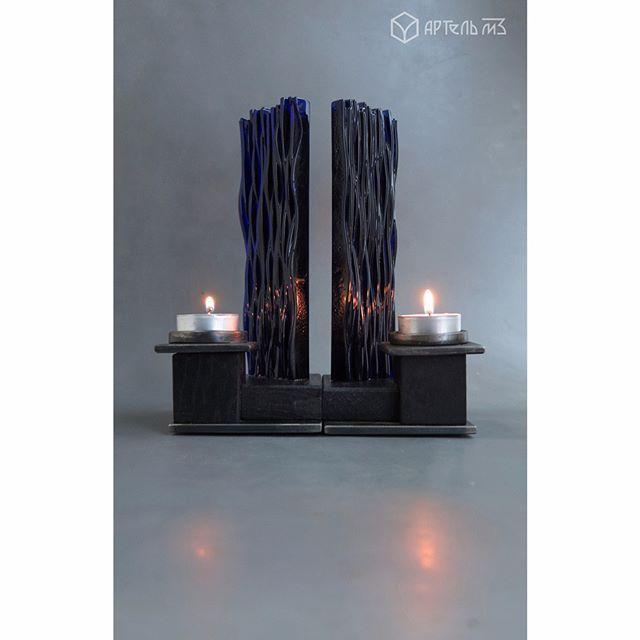 Наши подсвечники интерактивны. Каждый из них представляет модуль. При использовании четырех подсвечников имеется возможность составлять различные композиции из них, что прекрасно демонстрирует наша третья модель. Комбинация из двух изделий, также возможна.  серия: elementum (элементали)  модель 3  Мы соединили элементы земли и воды*, дерева и металла, огня. Пламя свечи, отражаясь в стекле замыкает цикл. *стекло производится из песка (земли), а по своей сути это жидкость (вода)  #m3artel…