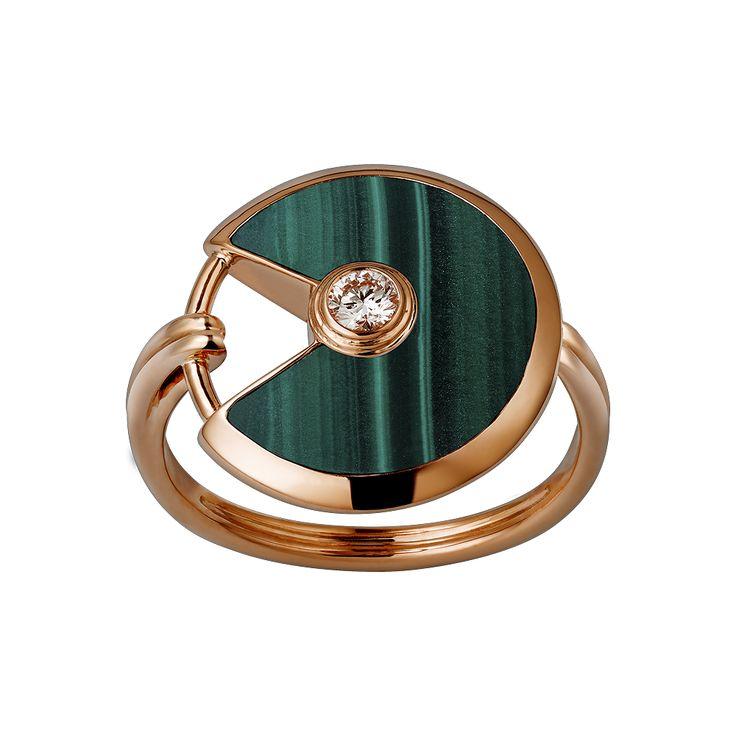Amulette de Cartier ring: Pink gold, malachite, diamond