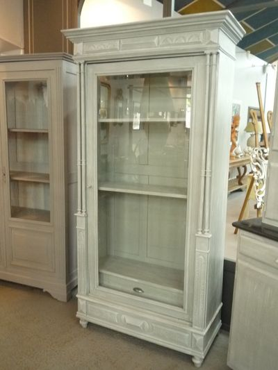 17 best images about meubles peints on pint - Armoire ancienne relookee ...
